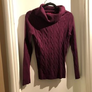 Sweaters - Glensport Burgandy sweater in fantastic condition!